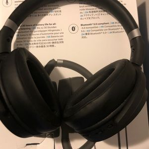 Noise Canceling Headphones, and music